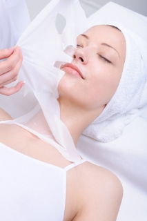 Cosmetic procedure with  moisturize mask